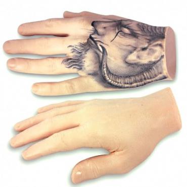 Mano de silicona para prácticas de tatuaje